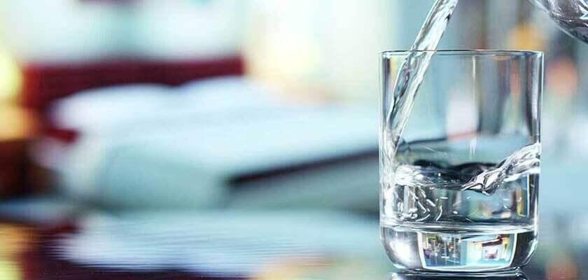 Cata apa ar trebui sa beau zilnic